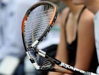 Broken tennis raquet