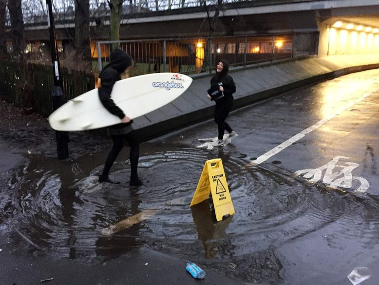 Tens of thousands watch puddle on Periscope