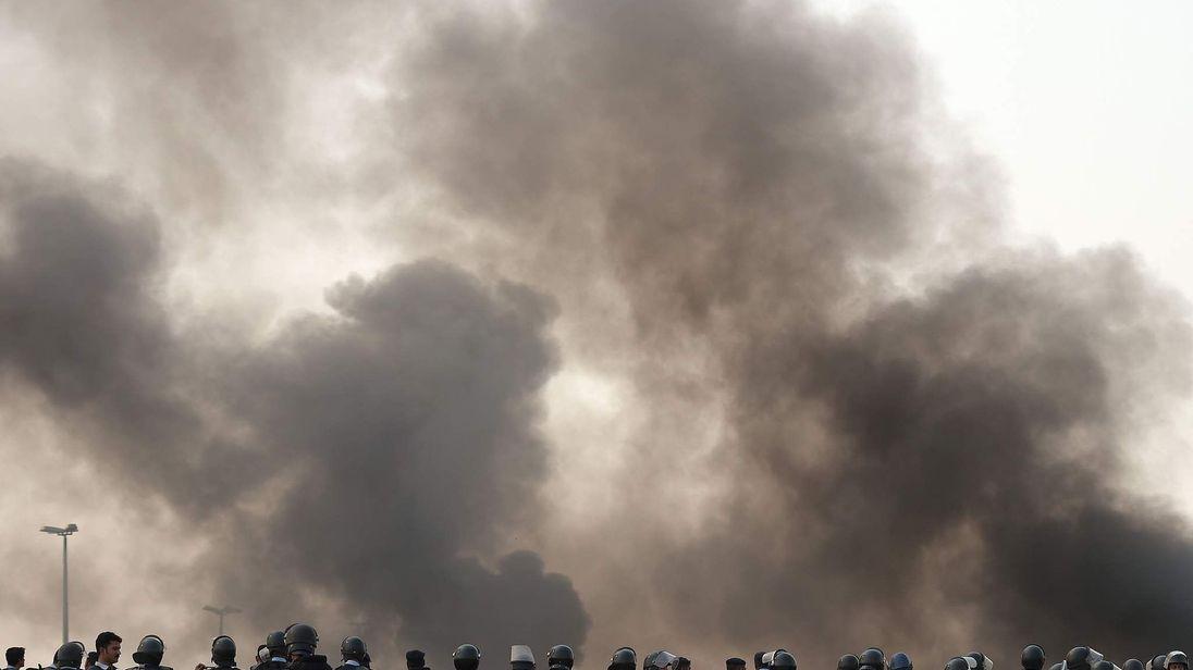 Pakistani riot policemen