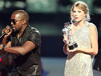 Kanye West interrupts Taylor Swift's acceptance speech