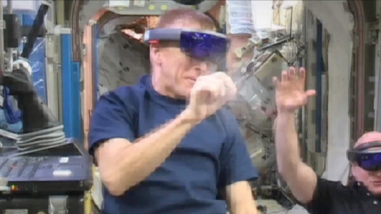 Tim Peake playing space invaders on the international space station
