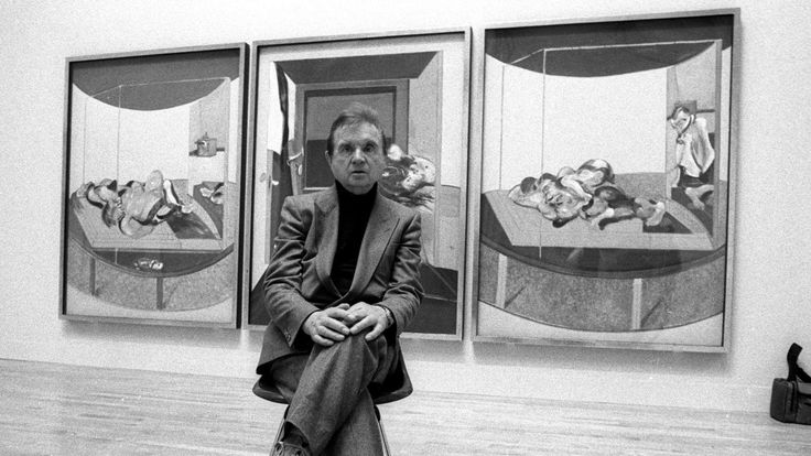 IRISH ARTIST FRANCIS BACON SITS FOR PHOTOGRAPH IN TATE GALLERY IN LONDON.