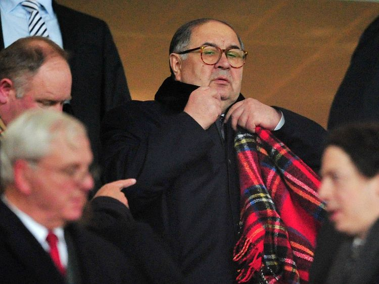 Arsenal shareholder Alisher Usmanov says the club must keep Arsene Wenger