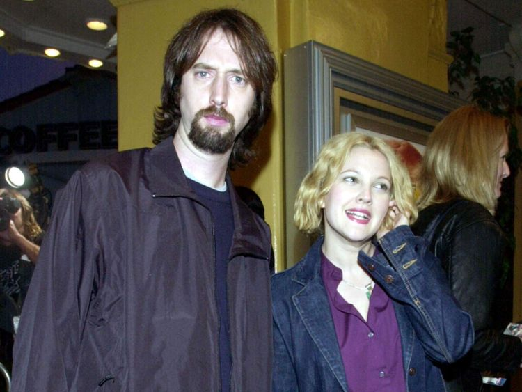 FILE PHOTO OF TOM GREEN AND DREW BARRYMORE.
