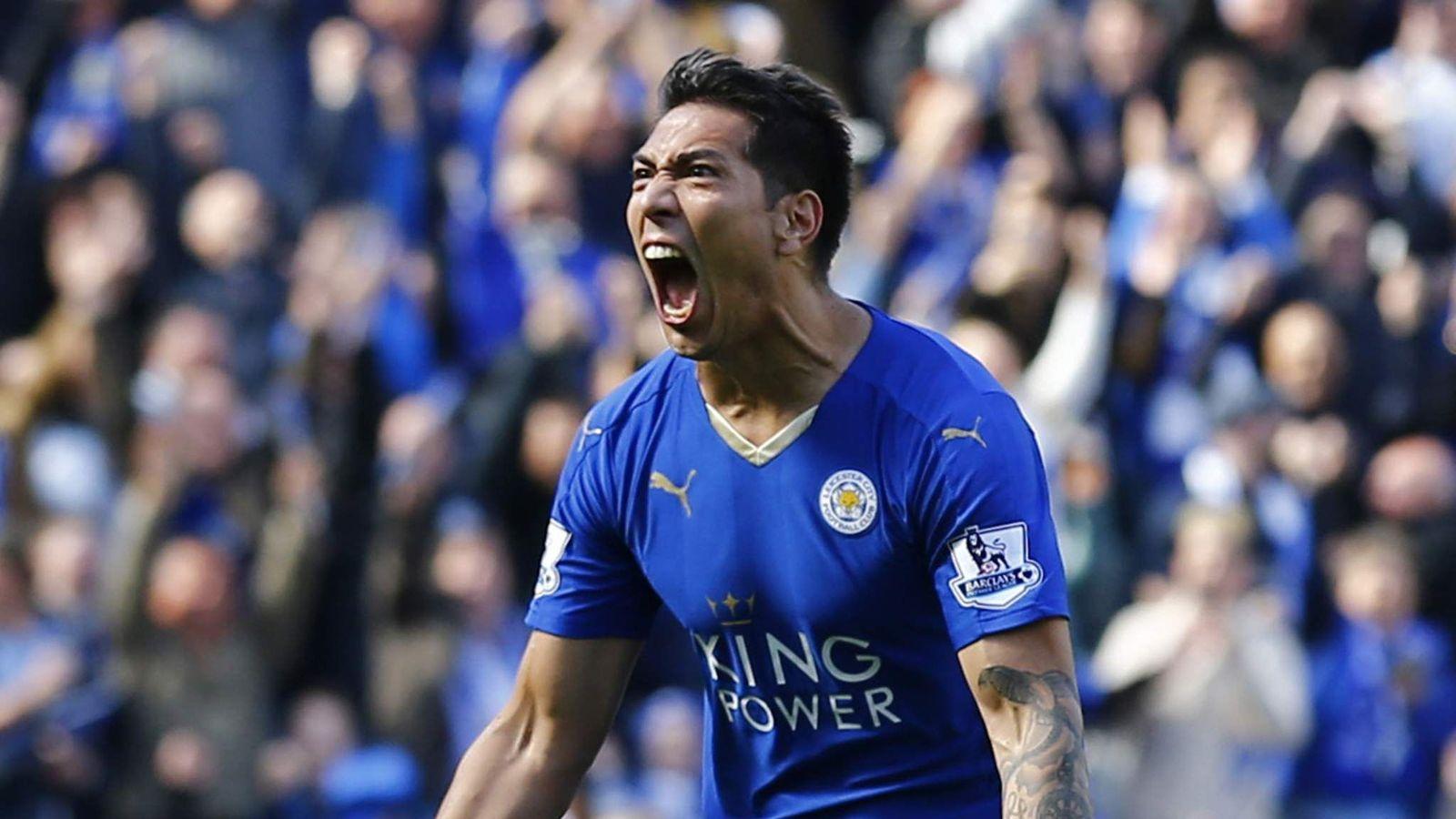 Leonardo Ulloa celebrates scoring the second goal for Leicester
