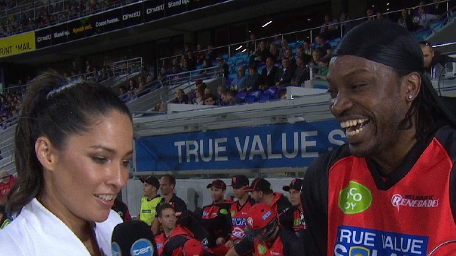 Cricketer Chris Gayle flirts with Ten's Melanie McLaughlin