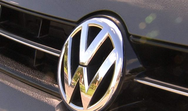 US judge approves $15bn VW emissions scandal settlement