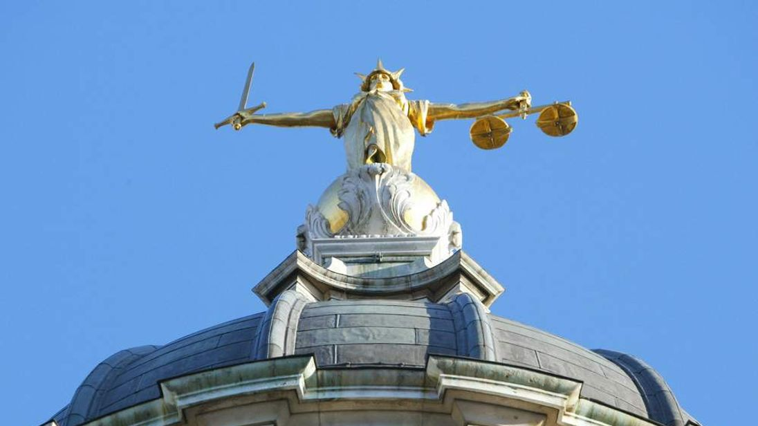 4TH Scales of Justice Old Bailey