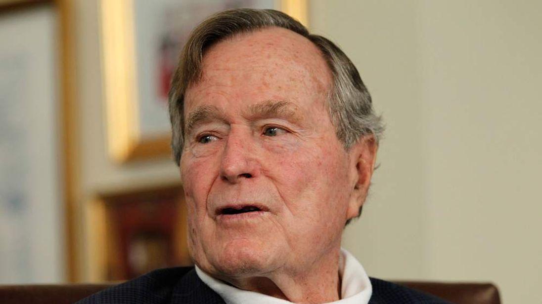 Mitt Romney Receives Endorsement From Former President George H.W. Bush