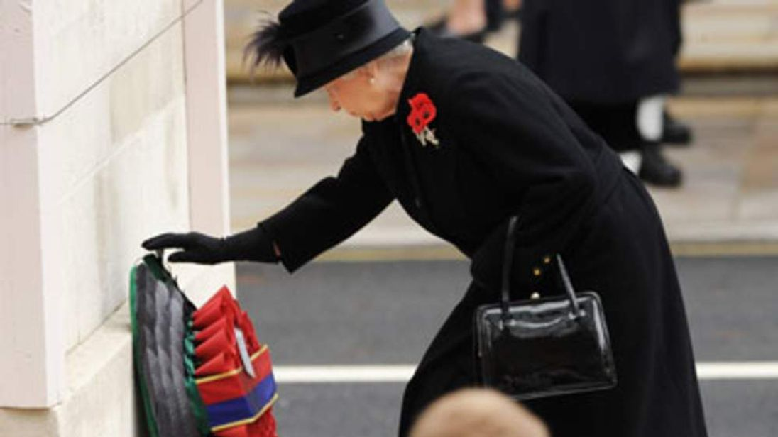 The Queen laying a Remembrance wreath