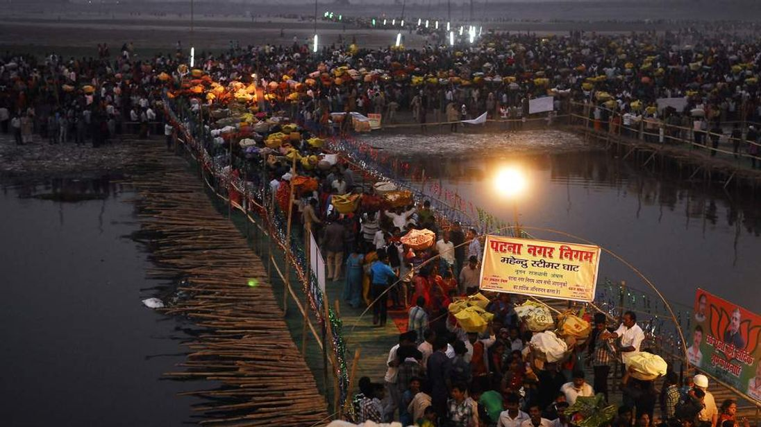 Bamboo bridge which sparked stampede in Patna, India