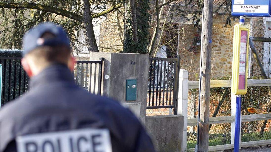 Crime scene in Dampmart