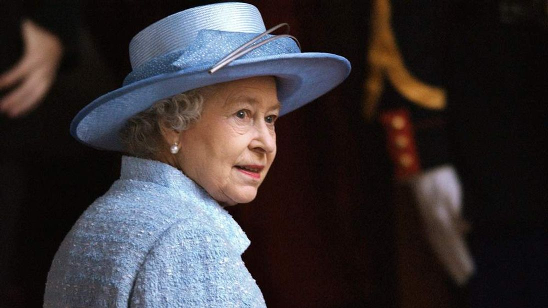 Queen Elizabeth II arrives for a calvary