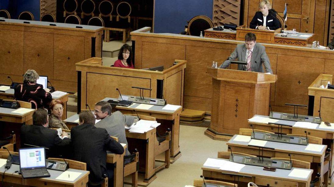 Estonian MPs meet at parliament in Talli