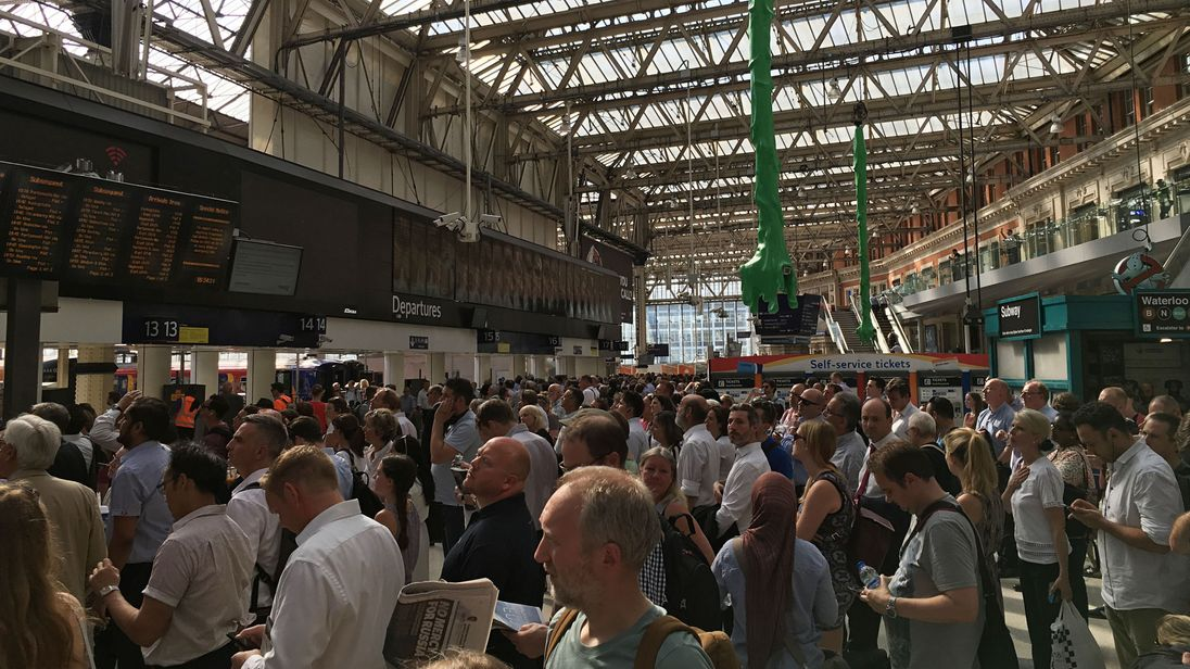 Travel chaos warning at Waterloo station as 10 platforms closed