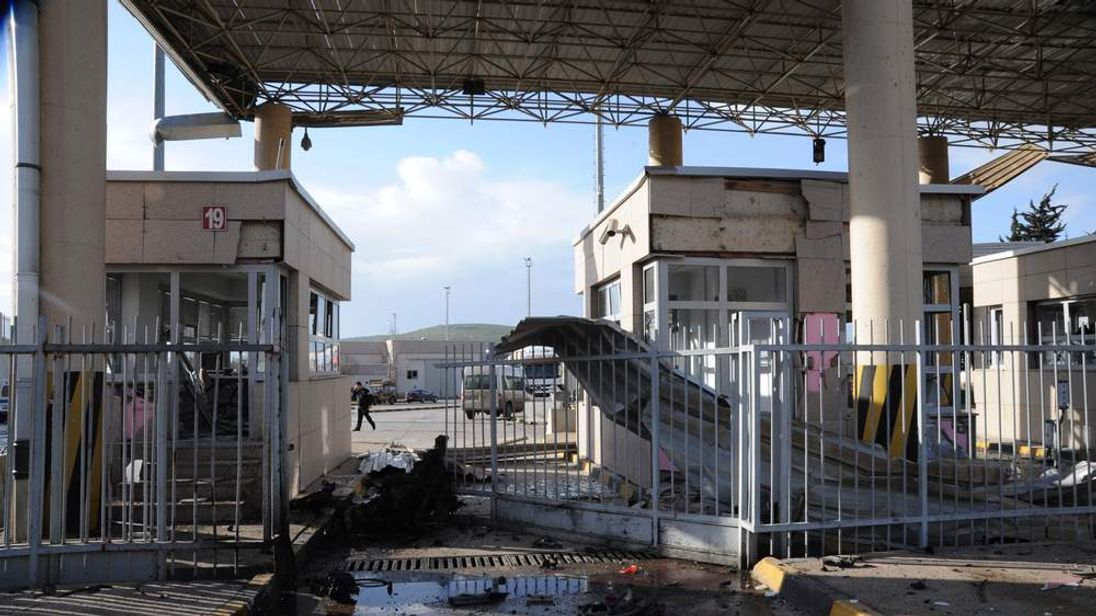 Damaged border crossing after car bomb