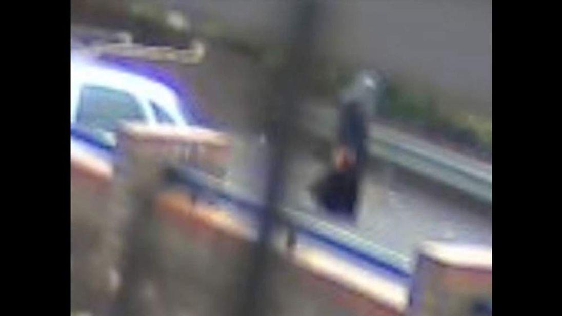 CCTV captures images of stabbing victim