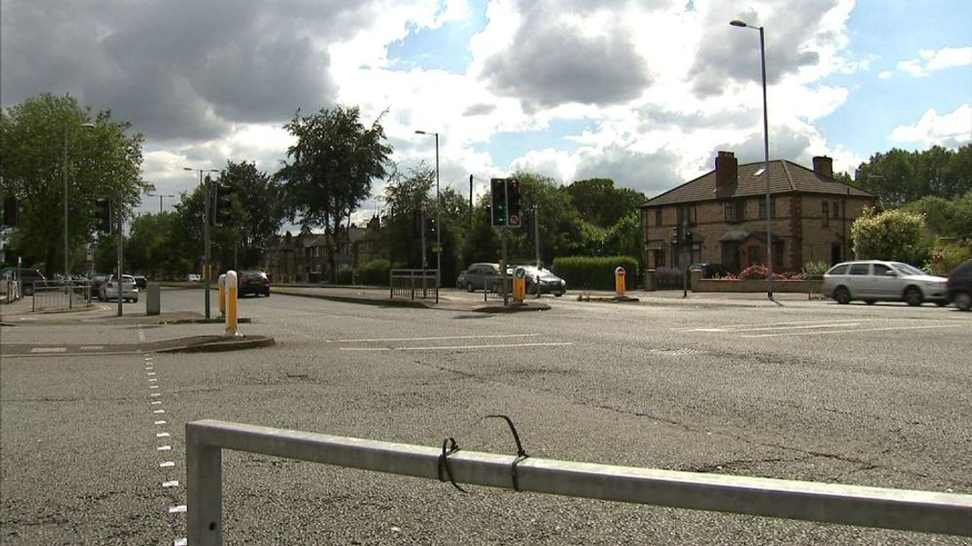 Junction of the A34 Kingsway and Mauldeth Road
