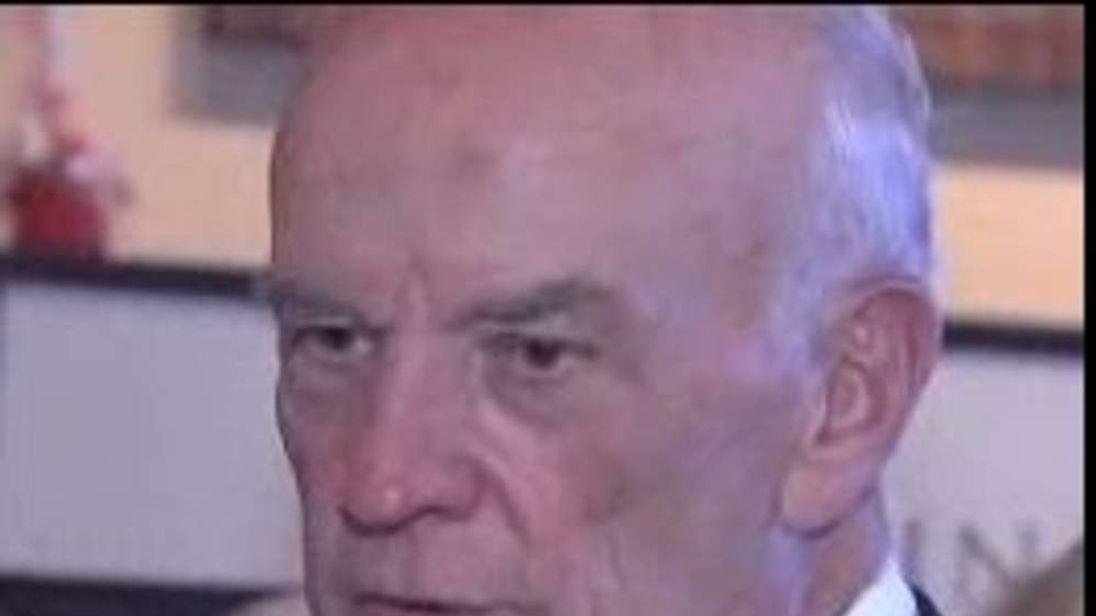 Keith Crisco dies