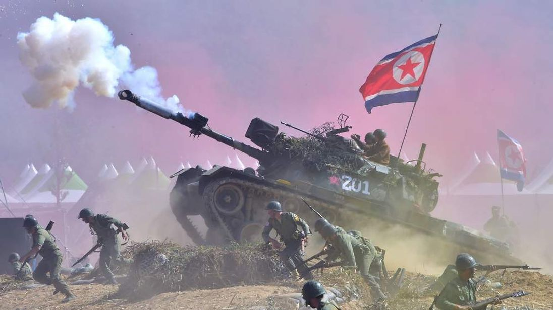 South Korean soldiers re-enact the 1950 Battle of Nakdong