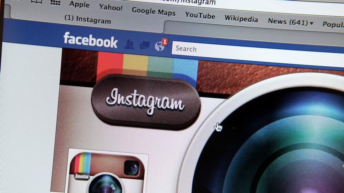 Facebook To Acquire Photosharing Site Instagram For One Billion Dollars