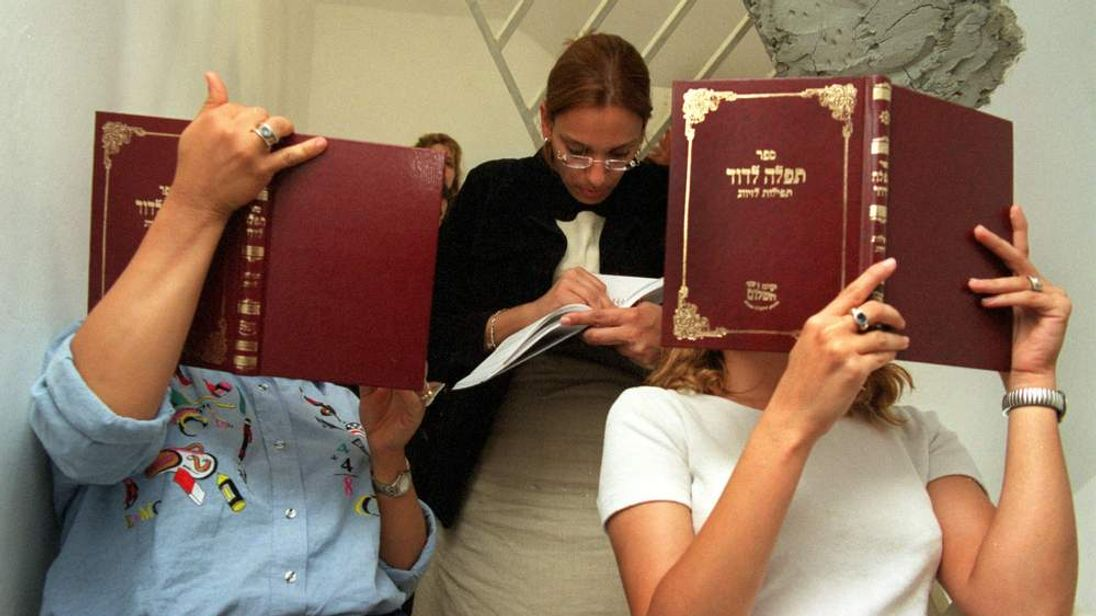 ULTRA-ORTHODOX JEWISH WOMEN PRAY FOR MARRIAGE IN JERUSALEM SYNAGOGUE.