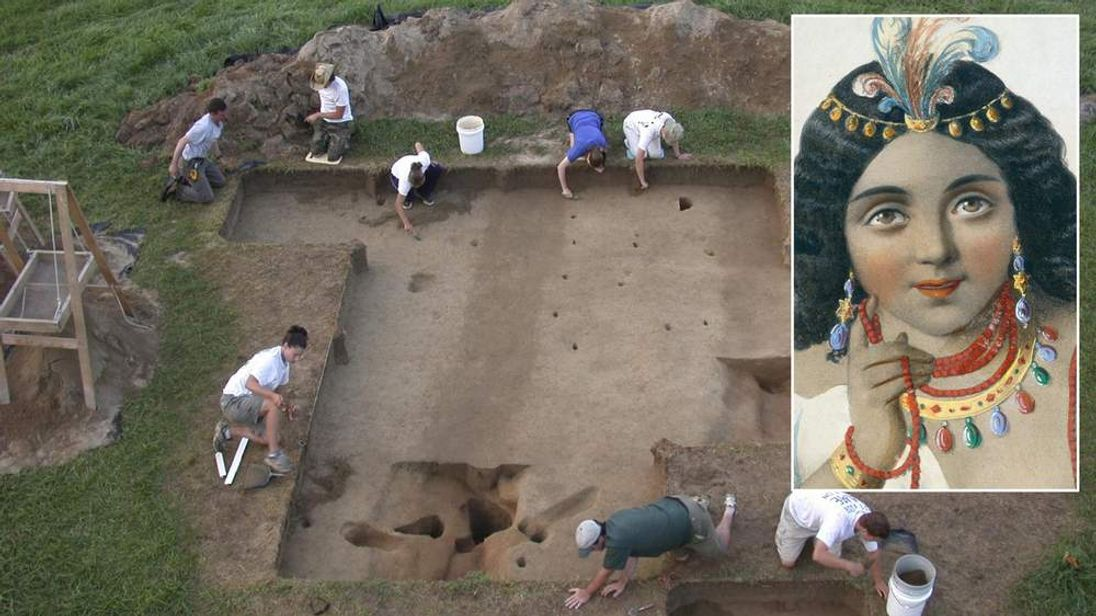the Werowocomoco site trench features under excavation by William & Mary students in Gloucester, Virginia