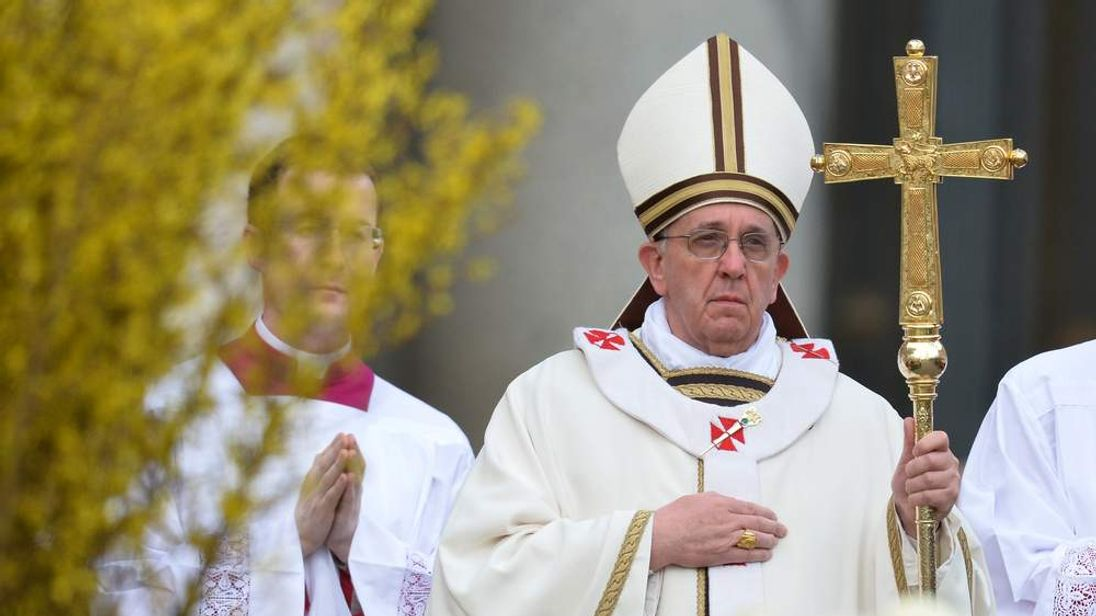 Pope Francis arrives for Easter mass at St Peter's