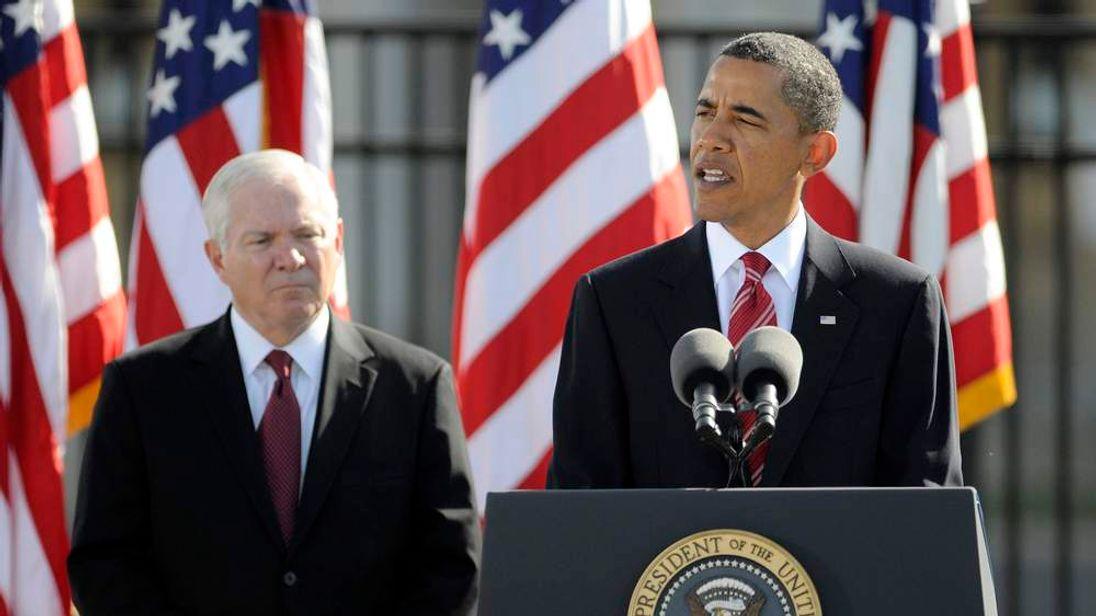 Former US defence secretary Robert Gates and President Barack Obama