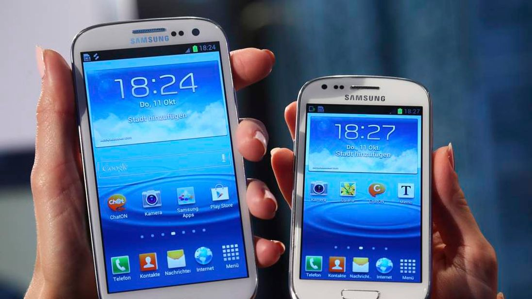 Samsung Galaxy S3 mini phone and a Galaxy S3