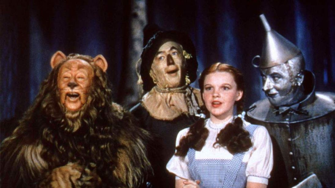 "UNDATED FILE PHOTO - The main cast of the classic film ""The Wizard of Oz"" are shown in this undated .."