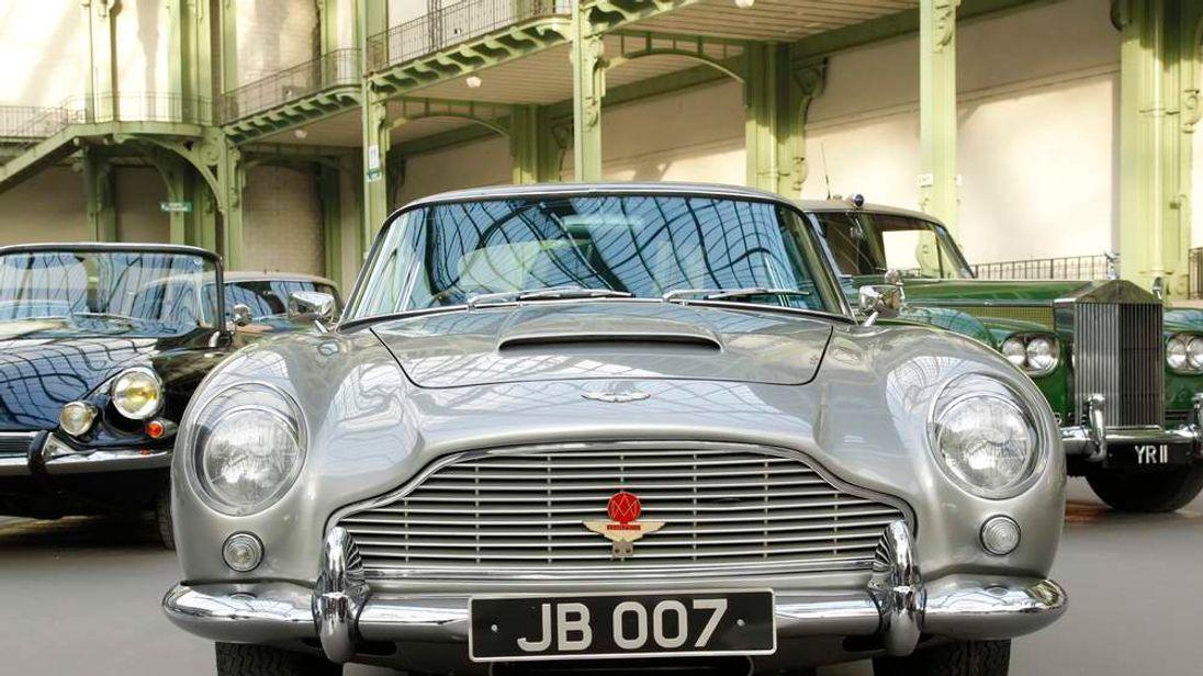 An Aston Martin DB5 1964