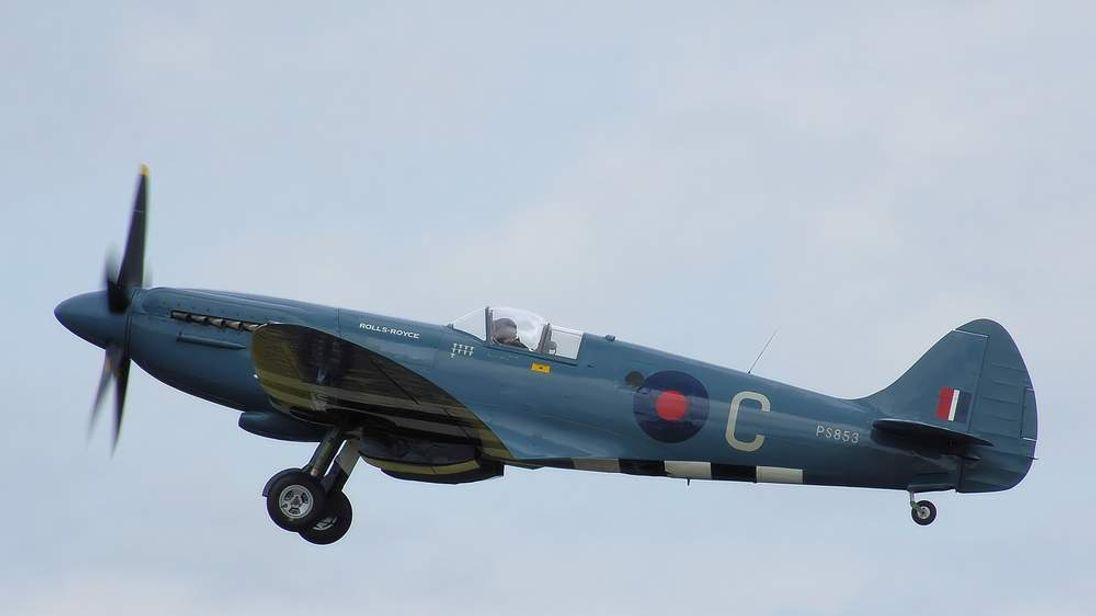 Spitfire PS853
