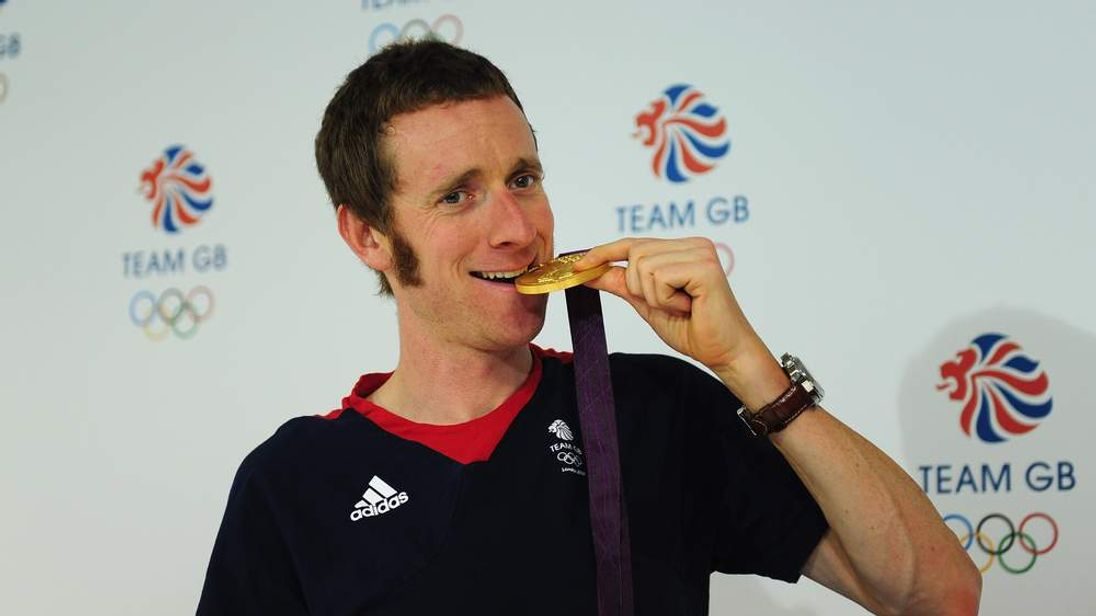 Bradley Wiggins wins Olympic gold in time trial
