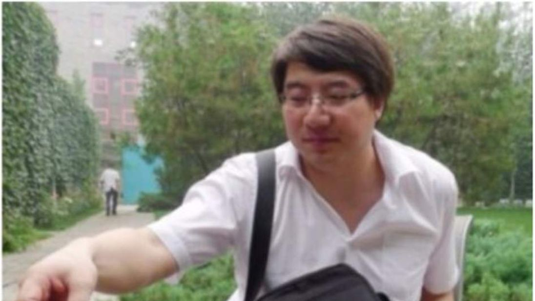 Zhai Xiaobing, who writes on Twitter under the handle @Starvier, was arrested by Beijing police in the suburb of Miyun on November 7t