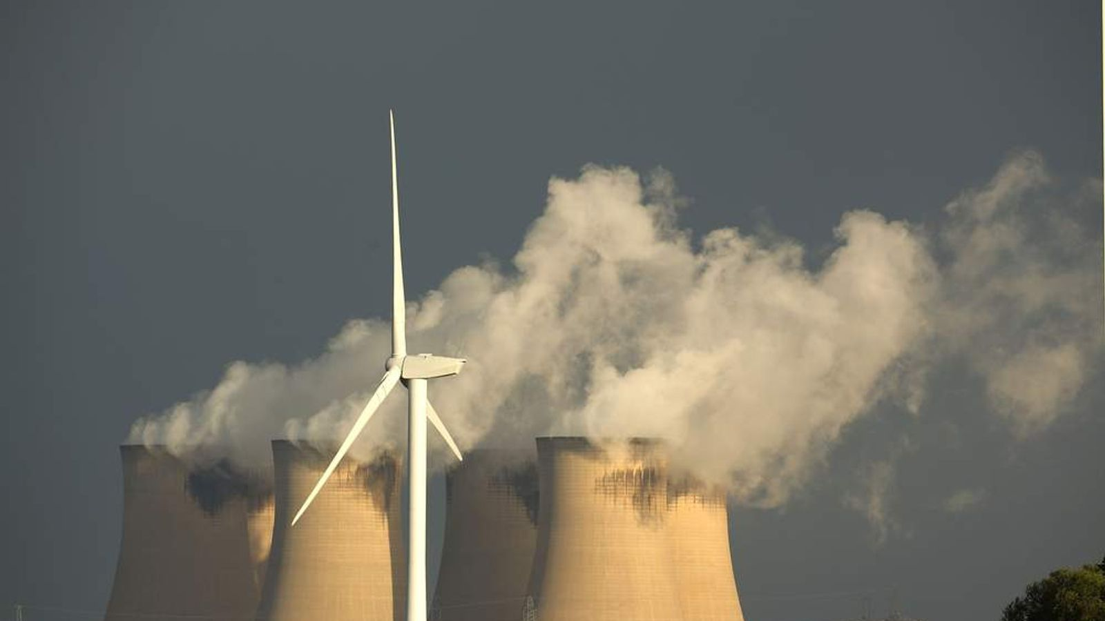 Wind turbine by Drax power station