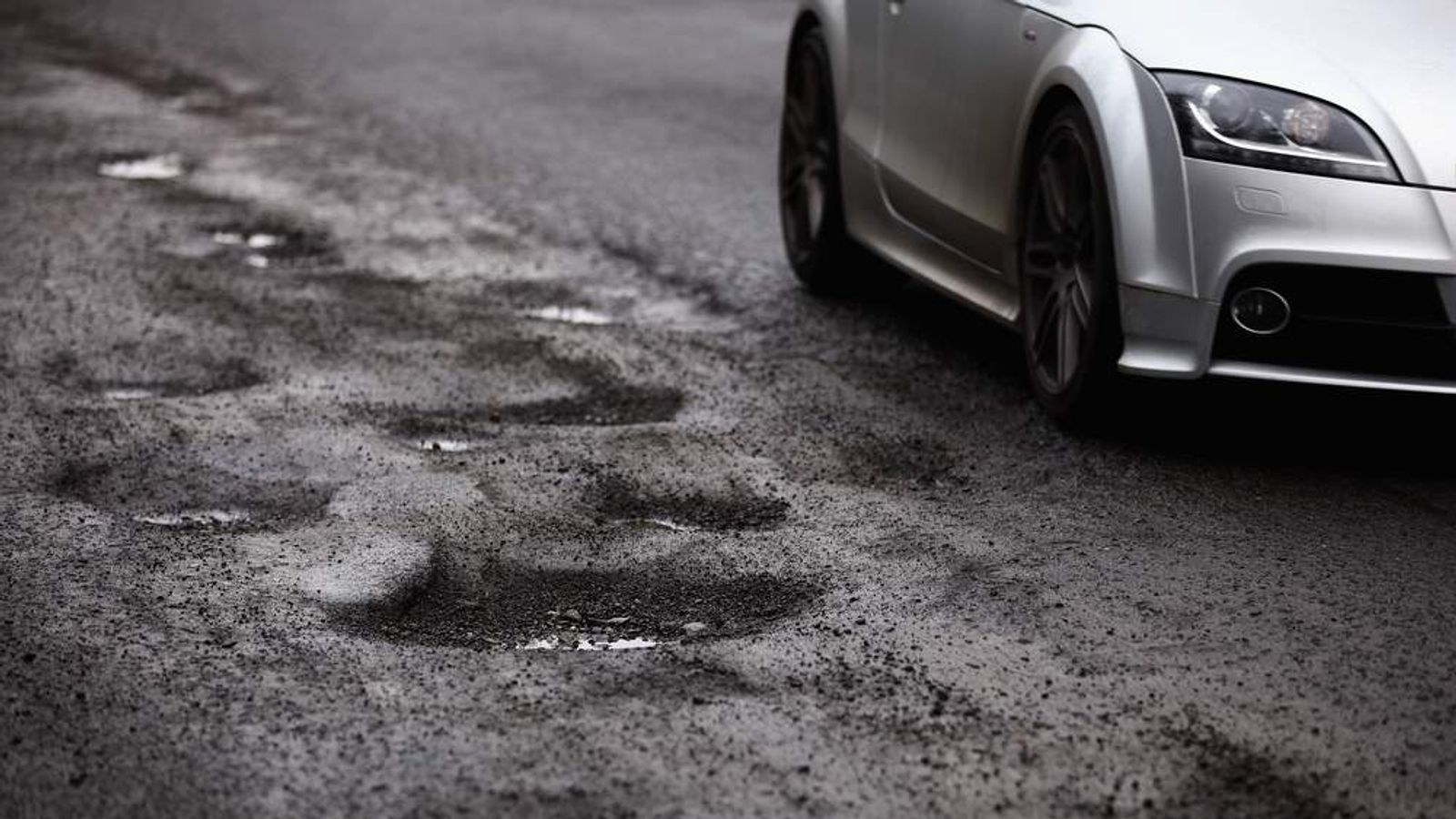 Potholes In The Roads Surrounding Glasgow