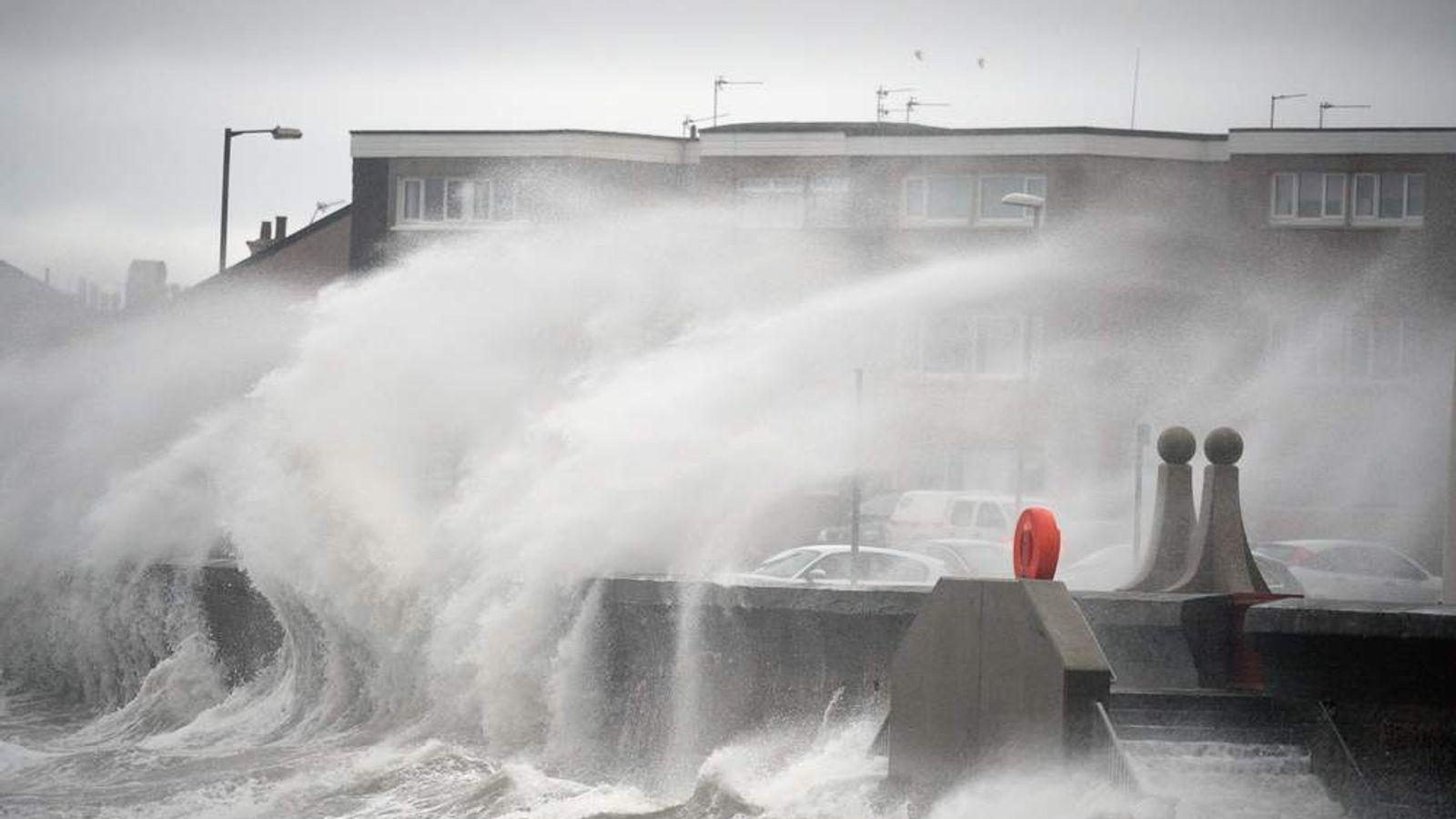 Gales and Heavy Rain Threaten The Festive Getaway