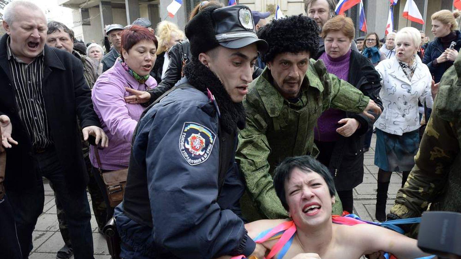 UKRAINE-RUSSIA-POLITICS-UNREST-CRIMEA