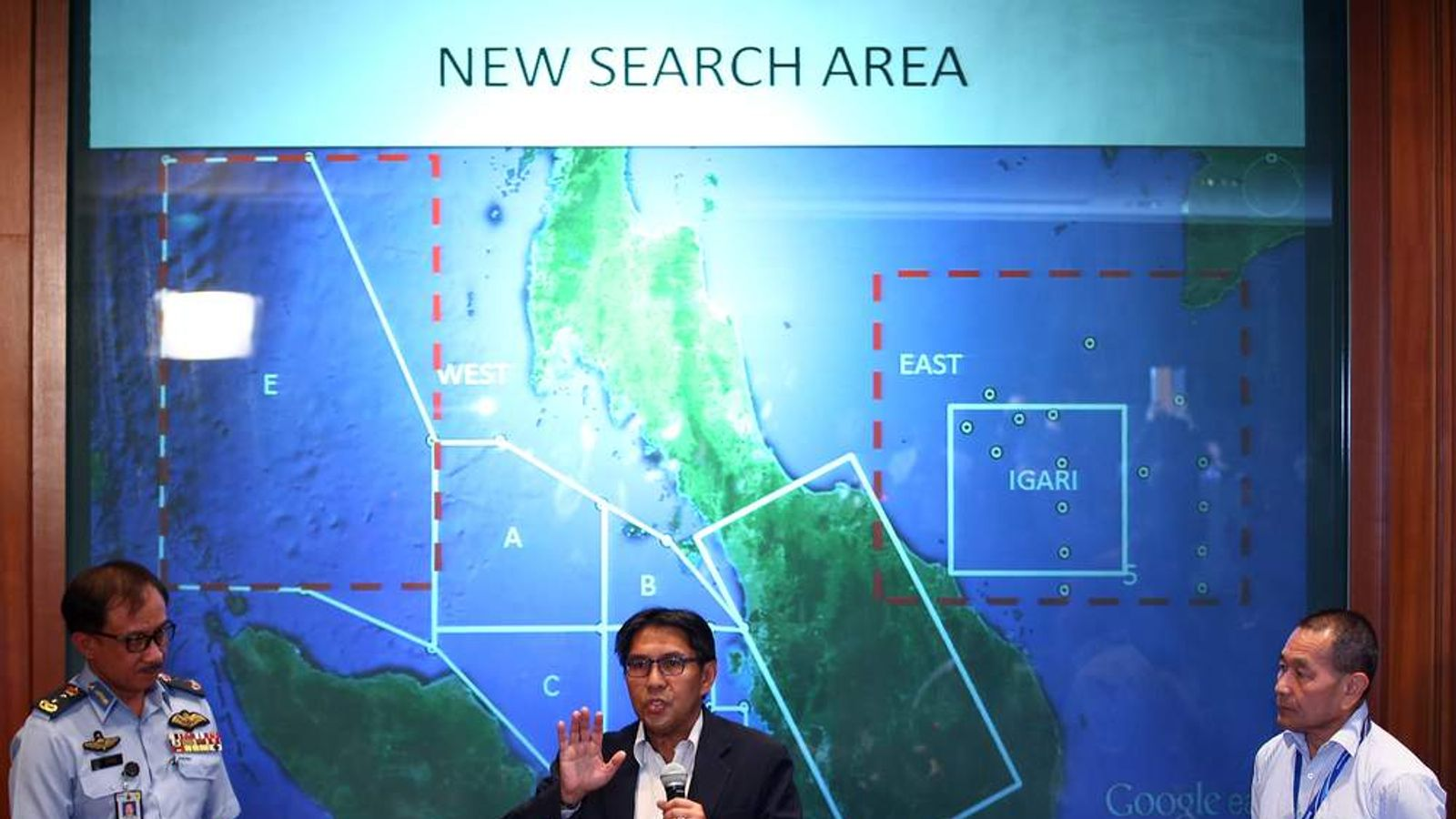 Azharuddin Abdul Rahman describes the new search areas for a missing Malaysia Airlines plane