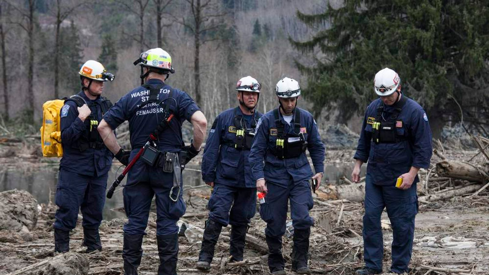 Search Teams Look For Bodies At Washington State Mudslide