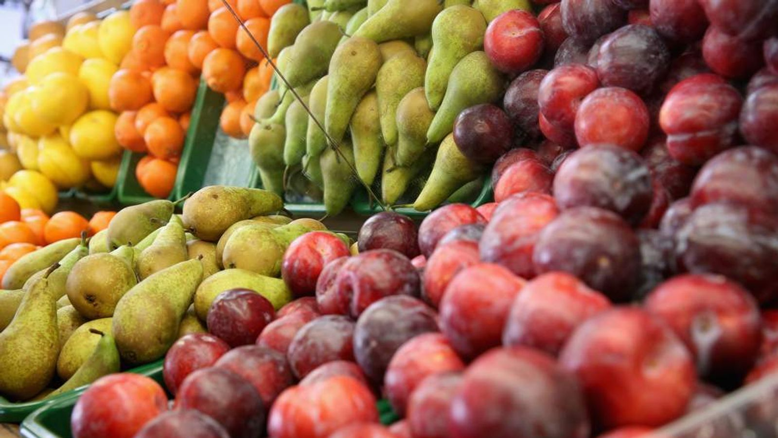 Researchers in London say adults need to eat seven pieces of fruit and veg every day to stay healthy.