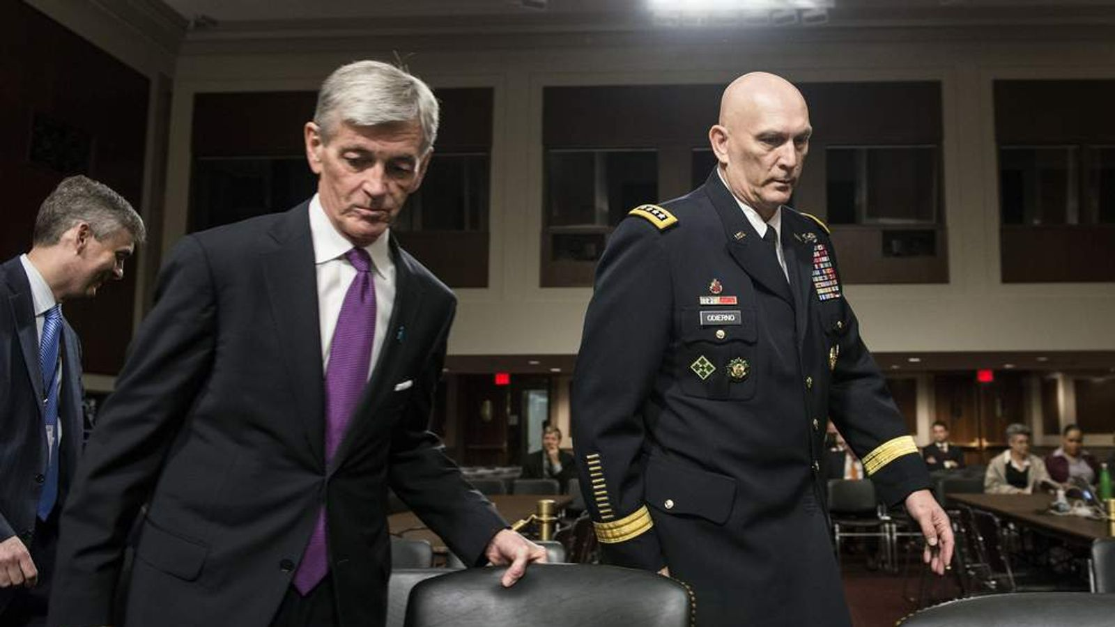 US Army Secretary John McHugh (L) and Army Chief of Staff General Ray Odierno