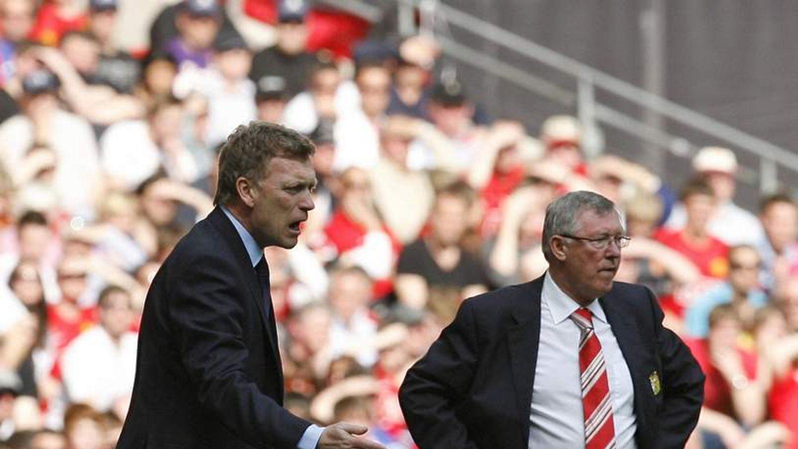 David Moyes (L) and Sir Alex Ferguson