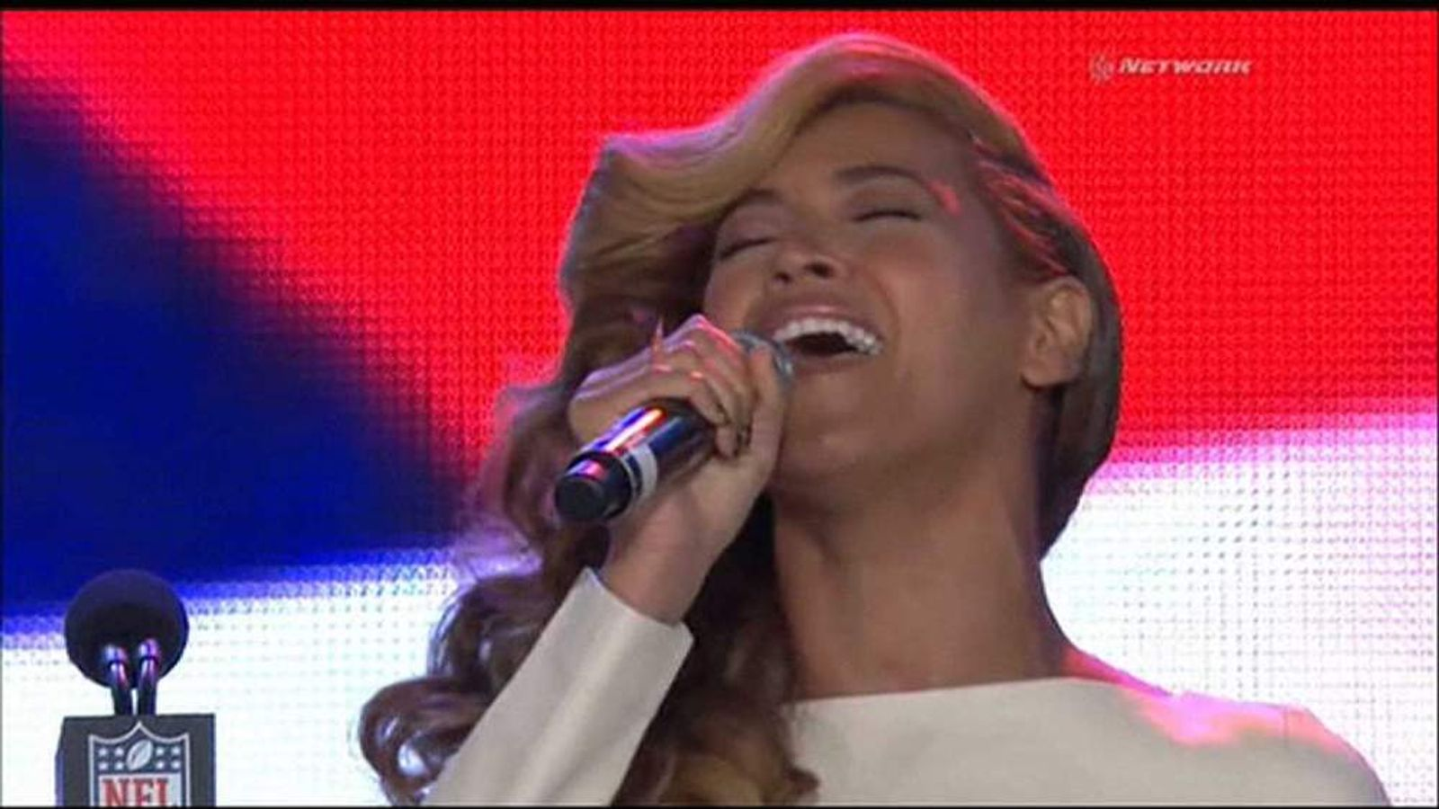 Beyonce sings The Star-Spangled Banner at the news conference