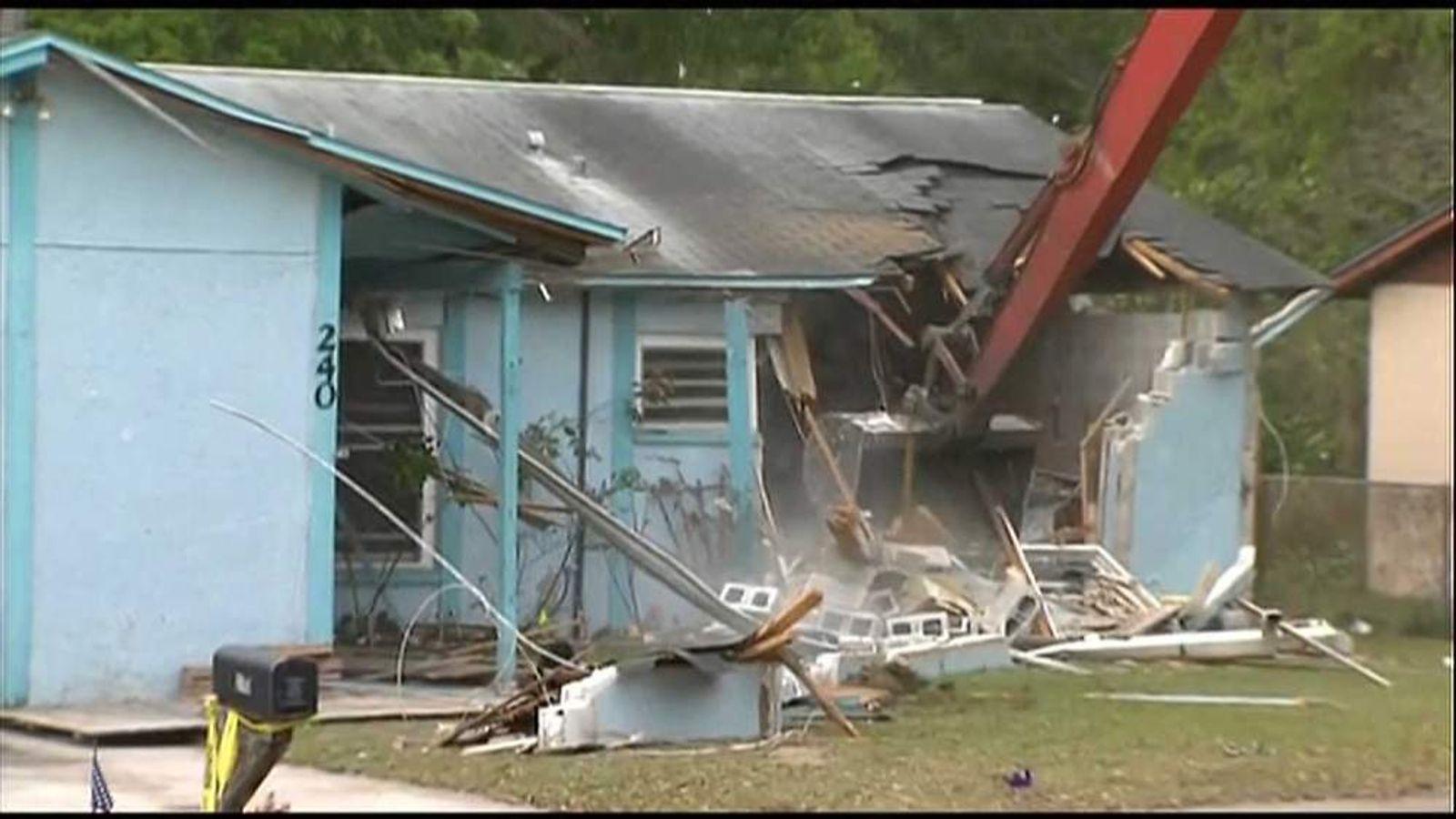 Demolition begins of Florida house where sinkhole opened up