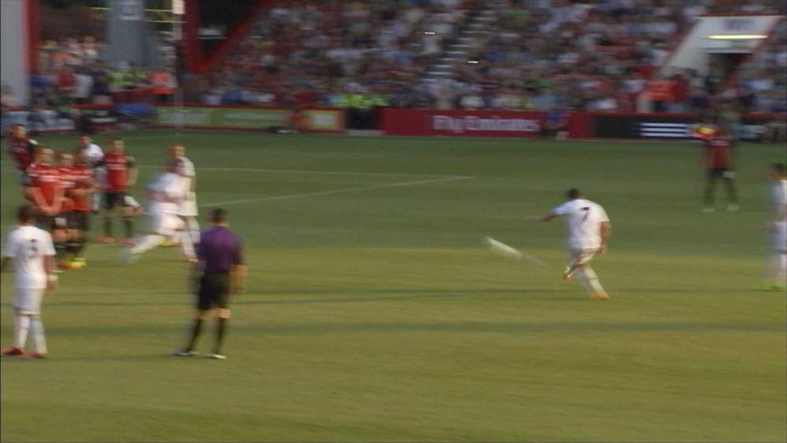 Ronaldo Breaks Bournemouth Fan's Wrist