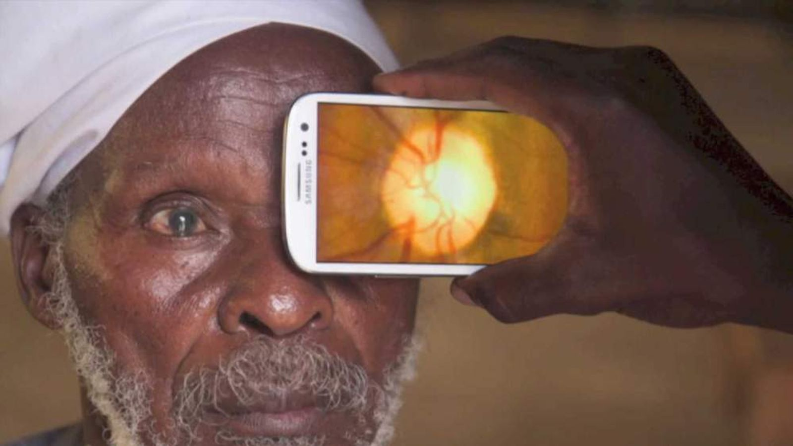 Peek eyephone app promo