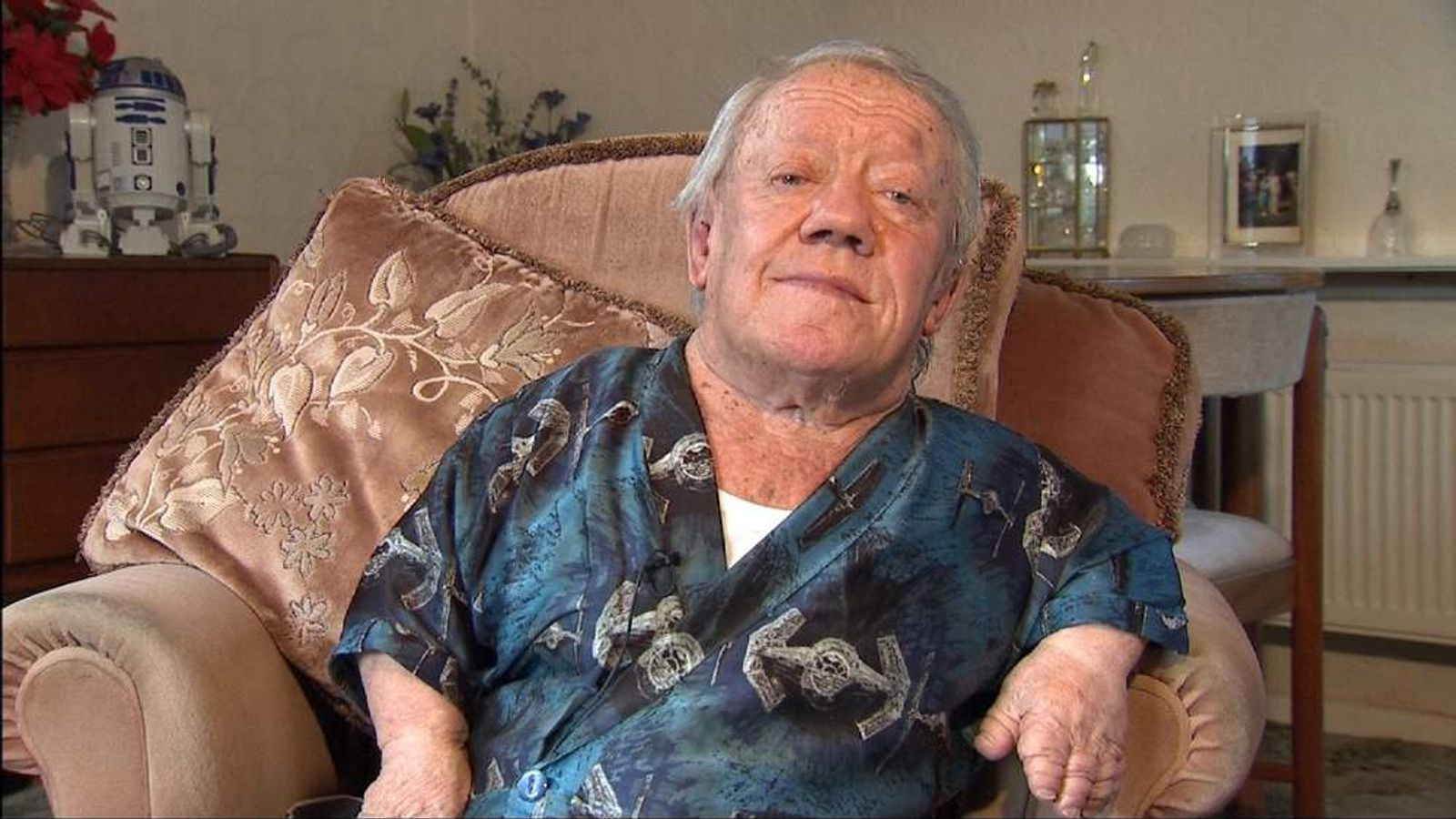 kenny baker imdbkenny baker r2d2, kenny baker cause of death, kenny baker twitter, kenny baker voice, kenny baker star wars, kenny baker, kenny baker singer, kenny baker anthony daniels, kenny baker force awakens, kenny baker height, kenny baker trumpet, kenny baker wiki, kenny baker 2015, kenny baker star wars 7, kenny baker jazz, kenny baker hates anthony daniels, kenny baker net worth, kenny baker fiddle, kenny baker inside r2d2, kenny baker imdb