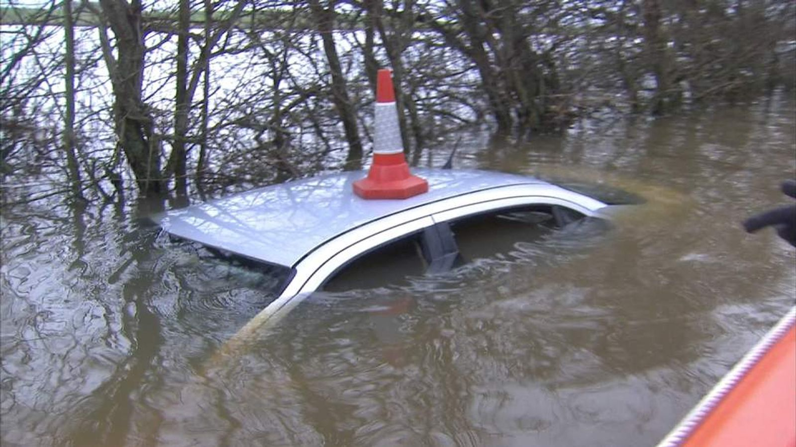 Flooding in Muchelney, Somerset, cuts village off